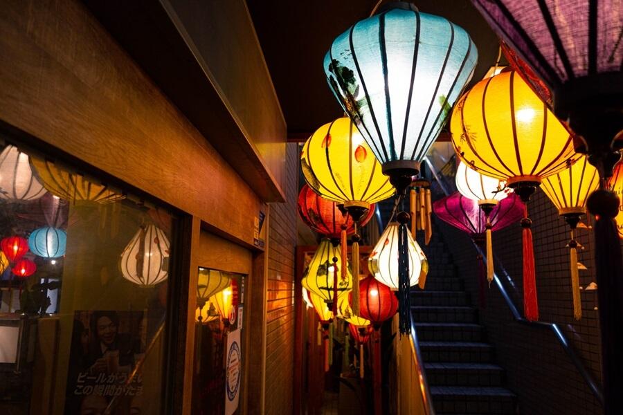 ベトナム料理 NONLA 本町店の入り口