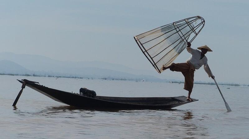 ミャンマーの漁師